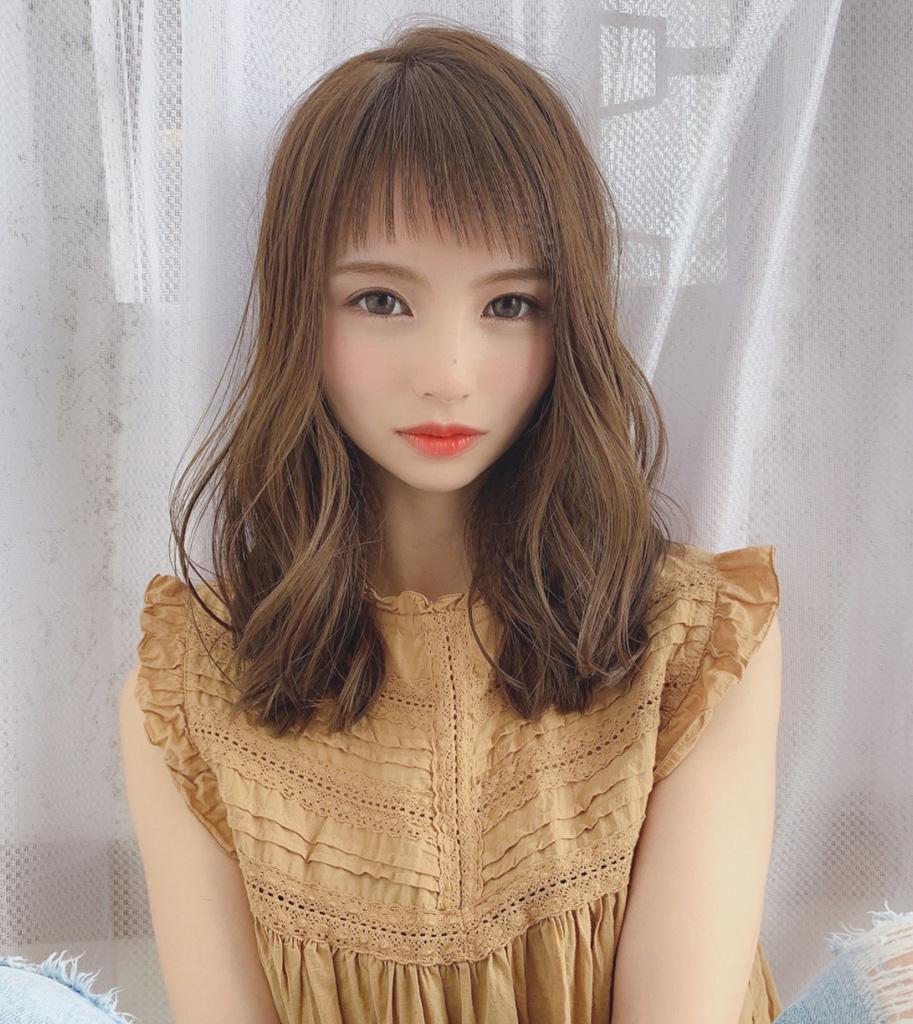 前髪あり【ぱっつん前髪×セミロング】
