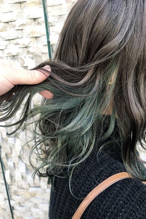 黒髪と相性◎レッド系インナーカラー