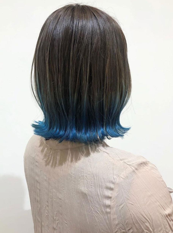 裾カラーで差をつけるならコバルトブルーがおすすめ